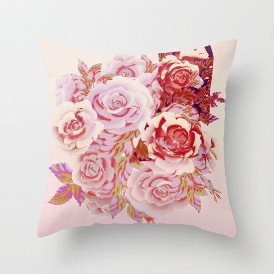 composition florale en rose Throw Pillow