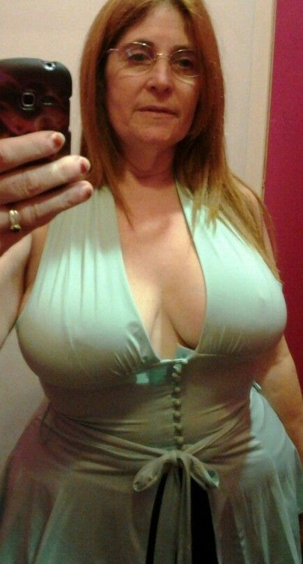 Pin By King Fish On Busty Mature Women Pinterest Bb