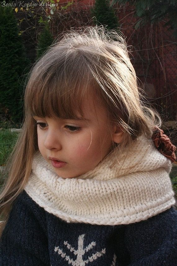Finnie Bear Hooded Cowl Knitting pattern by beatakapturdesigns ...