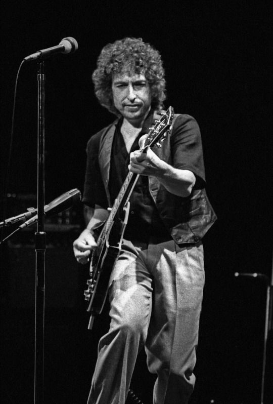 Bob Dylan @ the Warfield Theater in San Francisco on November 15 1980.