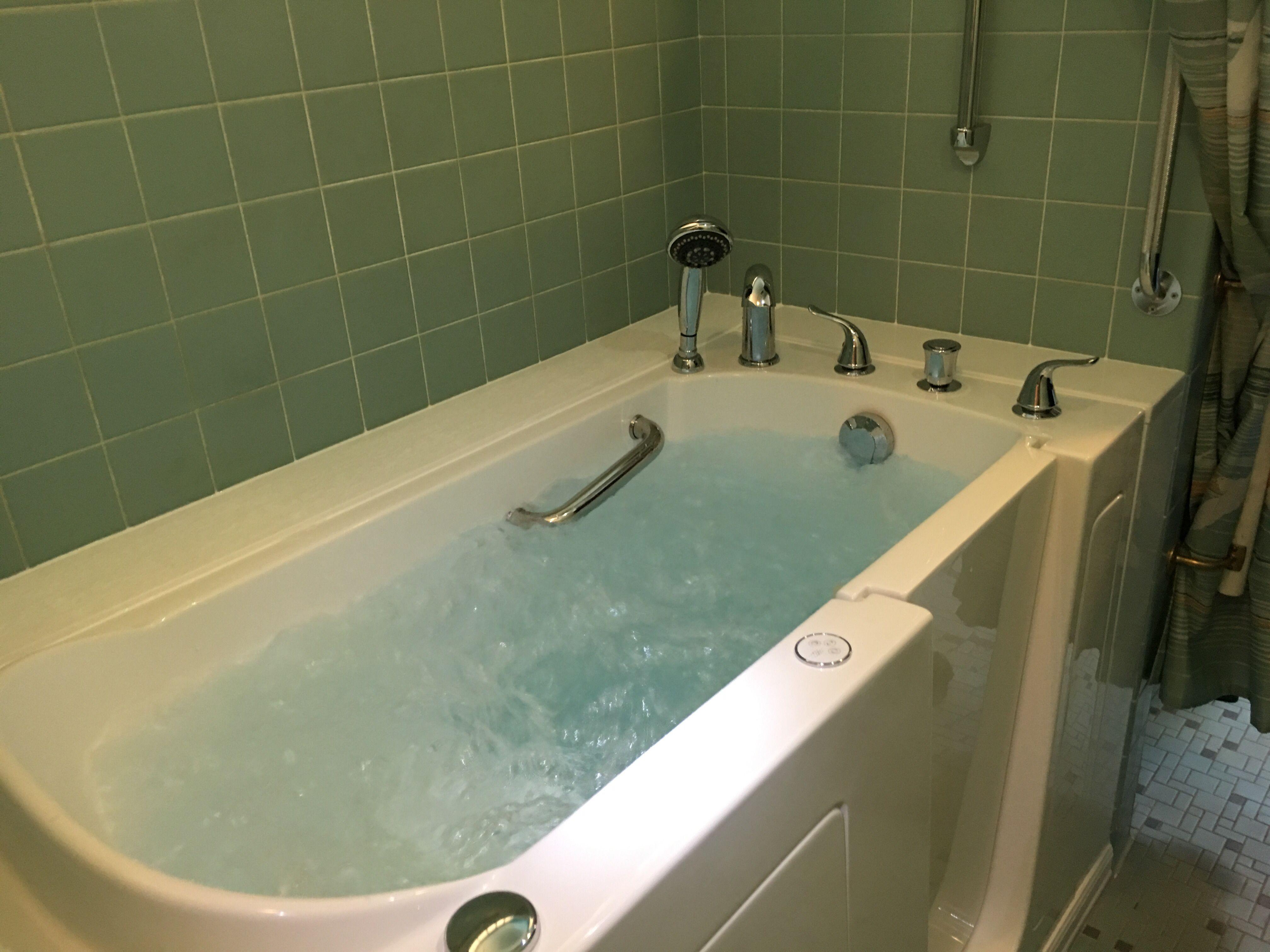Walk In Bathtub Walk In Bathtub Walk In Tubs Bathtub Remodel