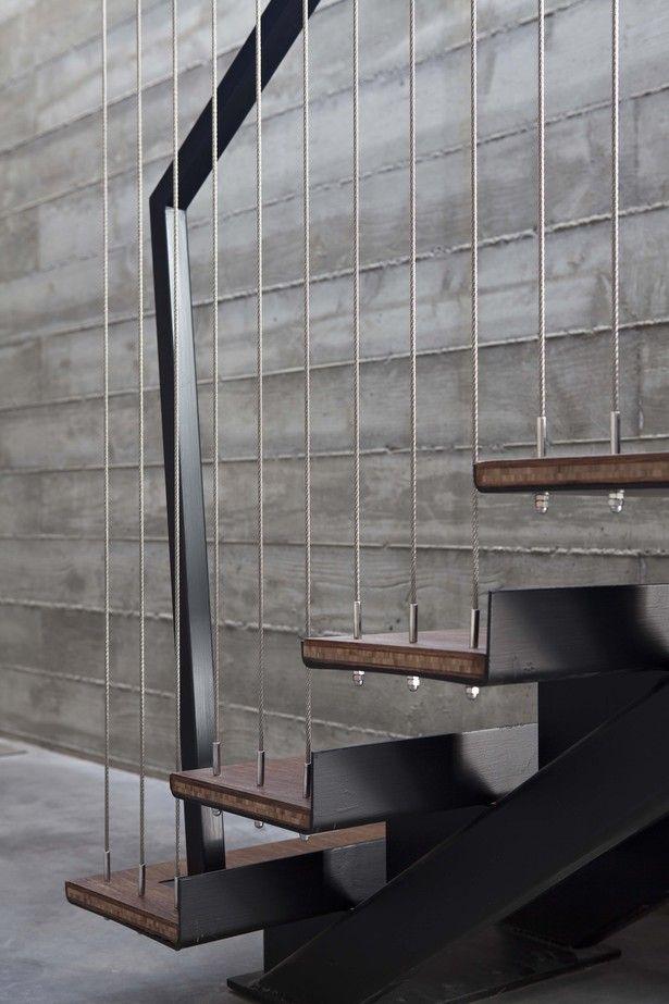 Escalera con detalles minimalistas tensores de acero - Escaleras de acero ...