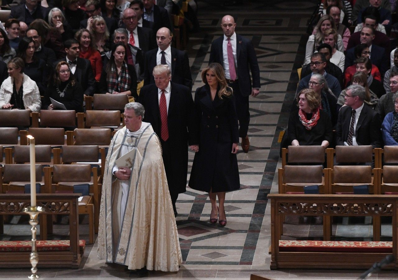Fashion Notes: Melania Trump Is Classic for Christmas in Gucci Coat, Louboutin Stilettos