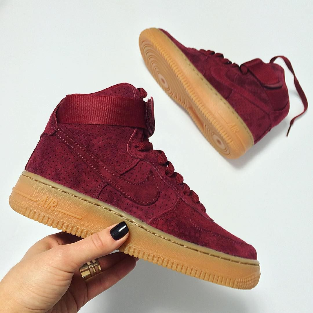Sneakers femme - Nike Air force 1 Suede