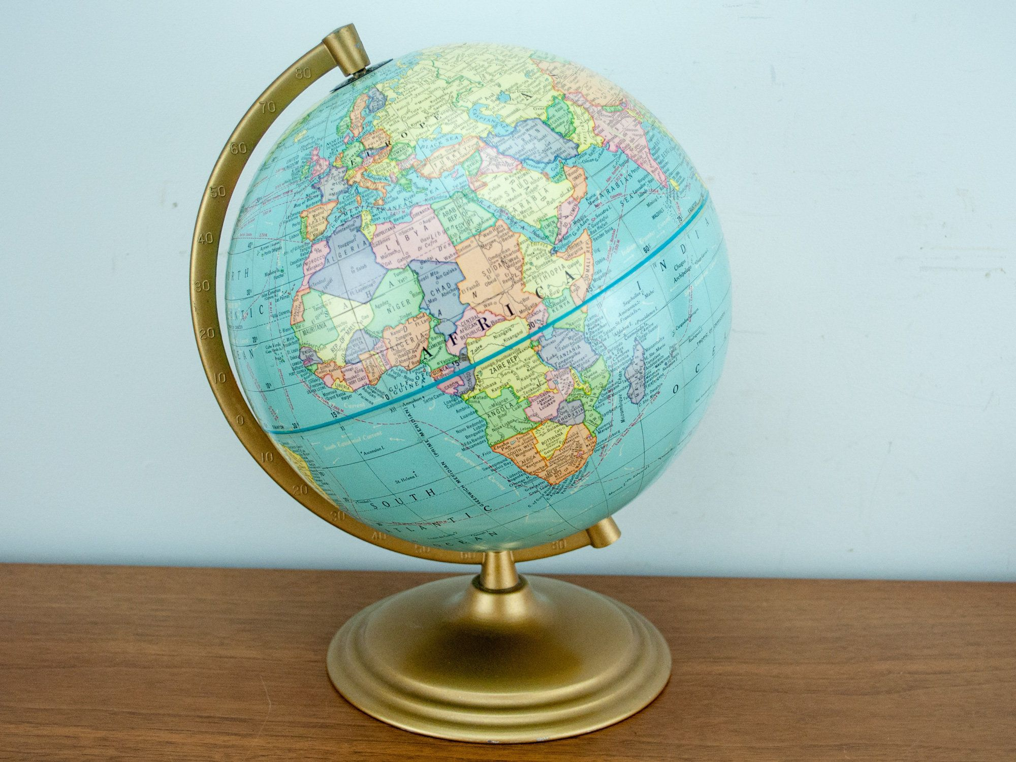 30cm Marco Polo Globe Illuminated Antique Style Globe with Magnifying Glass
