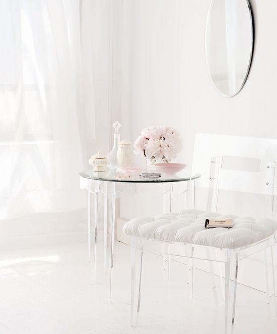 A Cool White Benjamin Moore S Wedding Veil 2125 70 Home Decor Modern Room Decor Inspiration