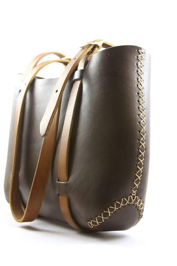 cuero bolso de envío gratis. hechos a mano por underthetreeithaca  bolsas   bags  bolso  bolsos 17cb8418f10a