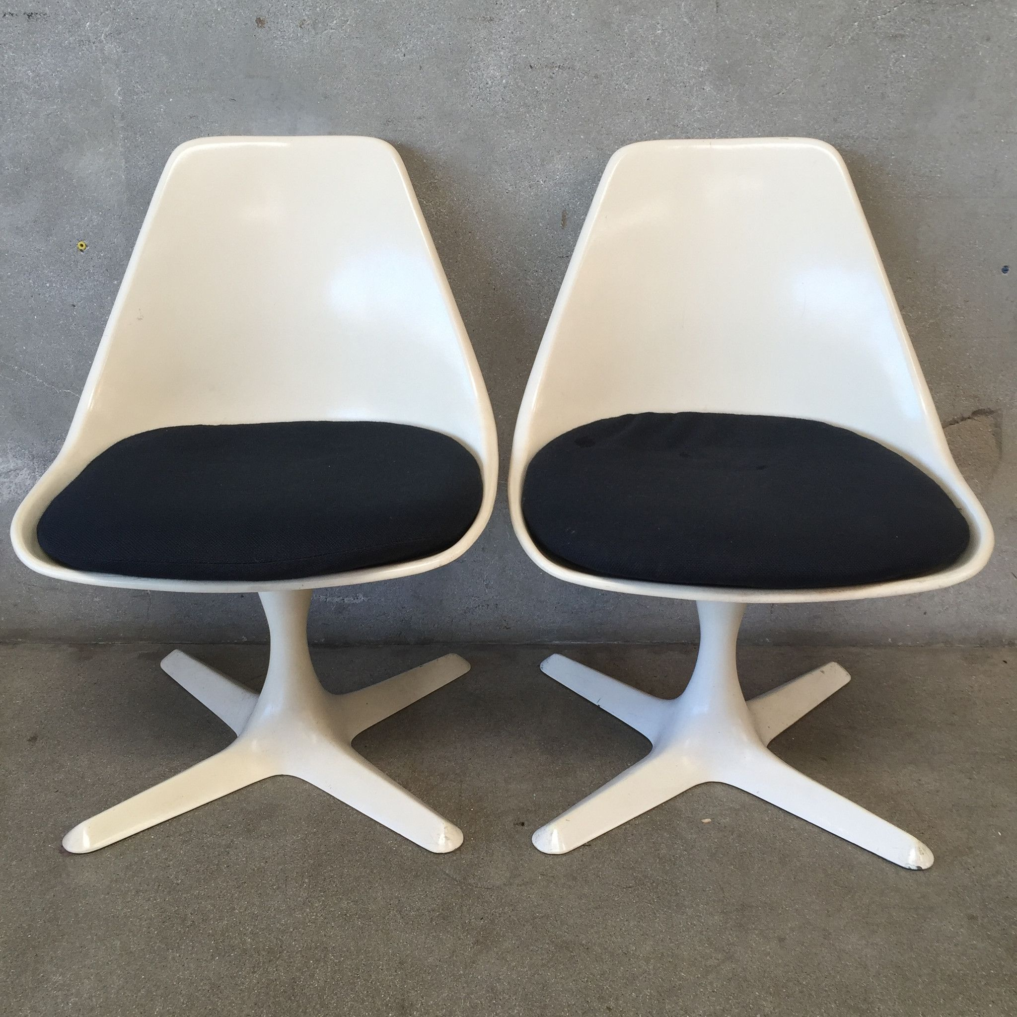 Vintage Pair Of Burke Tulip Chairs 115 Clic Mid Century Modern Design With Urethane Foam Removable Padded Seat We Have 2nd Pairs 4 Total This