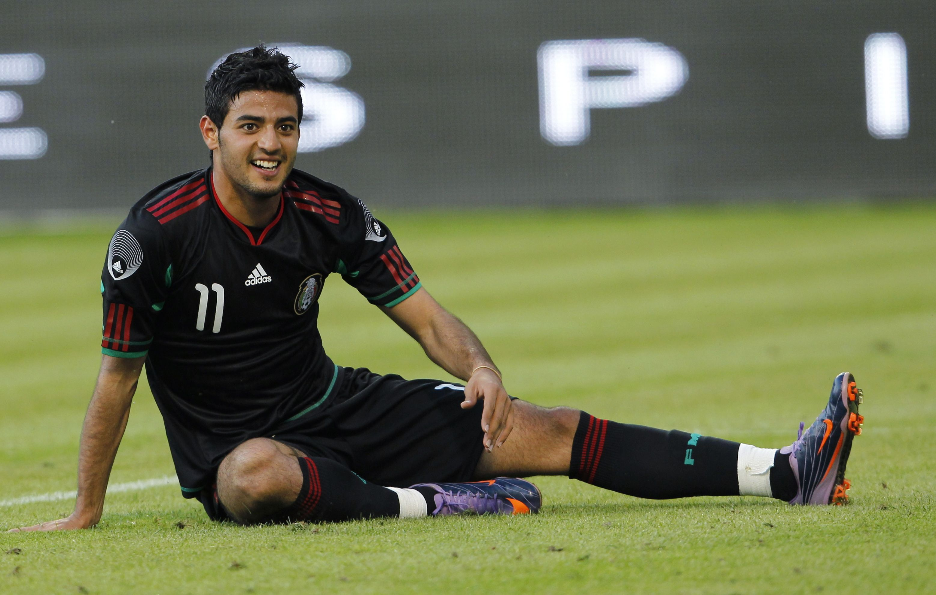 Mls Sources Confirm Lafc Has Deal W Mexican National Team Star Carlos Vela To Be Team S First Ever Dp Signing Could Happen La Carlos Vela Futbol Los Angeles