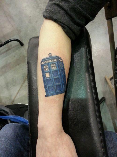 7899f289a TARDIS tattoo | Tattoos | Tardis tattoo, Doctor who tattoos, Tattoos