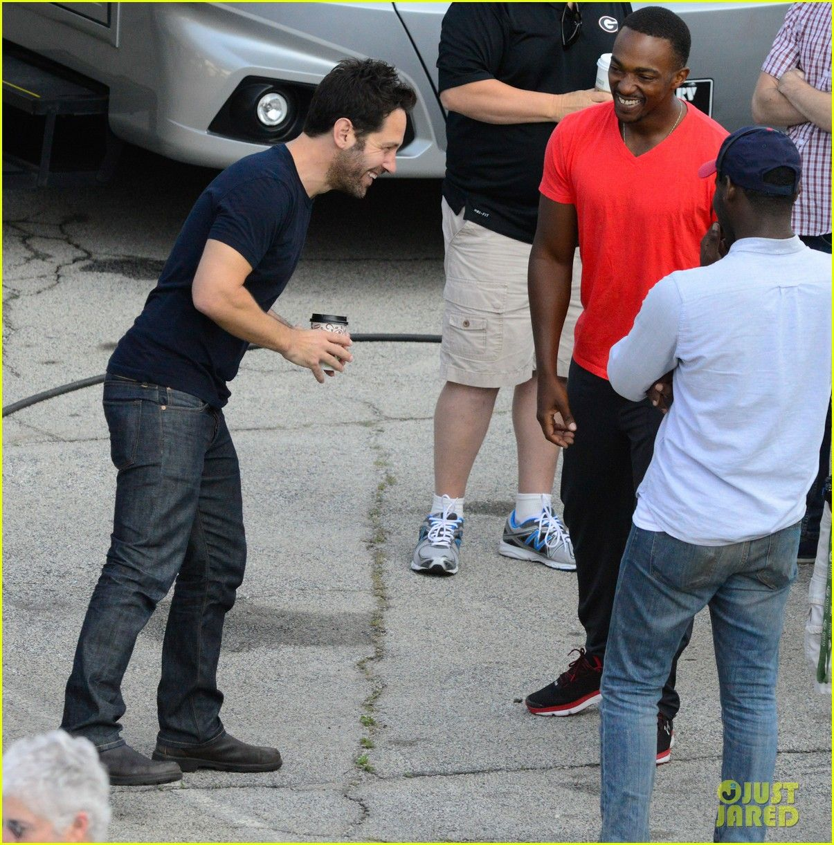 captain america civil war cast had great time on set 40 The cast of Captain America: Civil War look like they are having a great time on set on Wednesday (May 20) in Atlanta, Ga.    Chris Evans (Captain America) and Elizabeth…