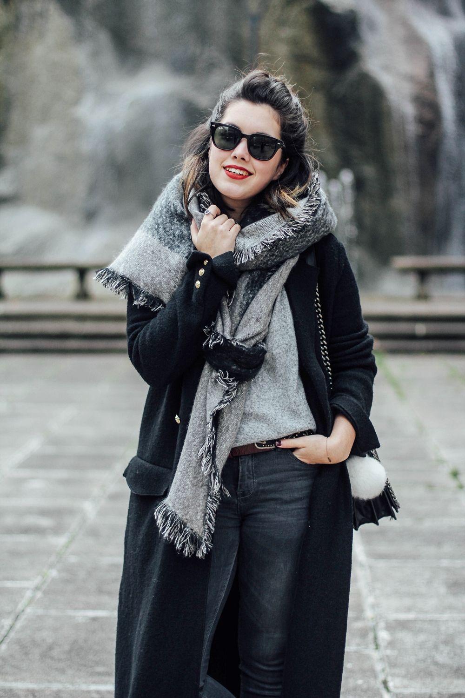 look con maxi abrigo negro y maxi bufanda gris de c a myblueberrynightsblog f70cd4a98dd