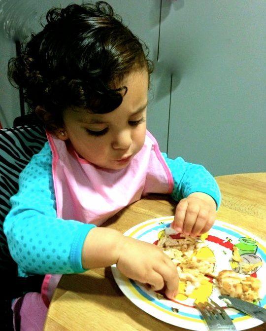 Cuando darle comida sólida a tu bebé?    http://celinaysusbabyrecetas.wordpress.com/2013/07/01/cuando-darle-comida-solida-a-tu-bebe/