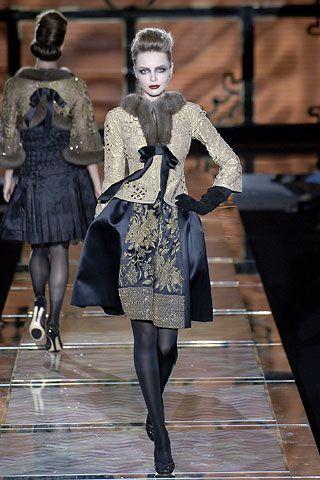 Sfilata Valentino Parigi - Alta Moda Autunno Inverno 2006/2007 - Vogue