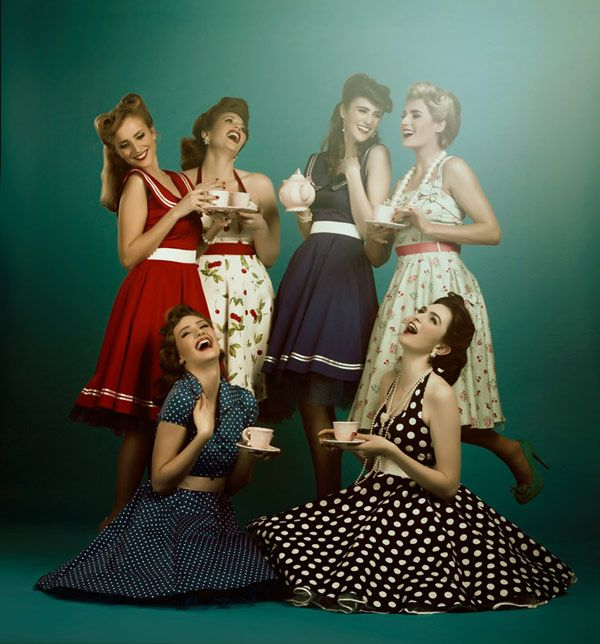 Very Vintage Style Hen Party Ideas Onefabday Com Bachelorette Party Outfit Vintage Party Party Photoshoot