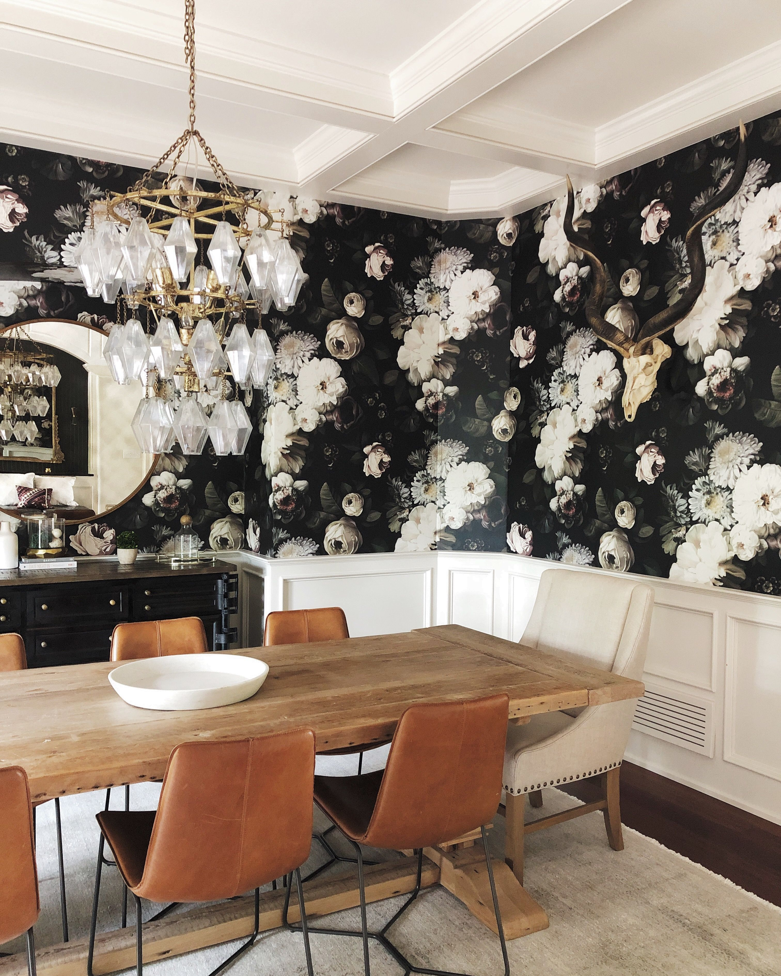 Psa These 9 Bold Wallpaper Prints Are Interior Designer Approved Hunker Bold Interior Design Wallpaper Interior Design Dining Room Wallpaper