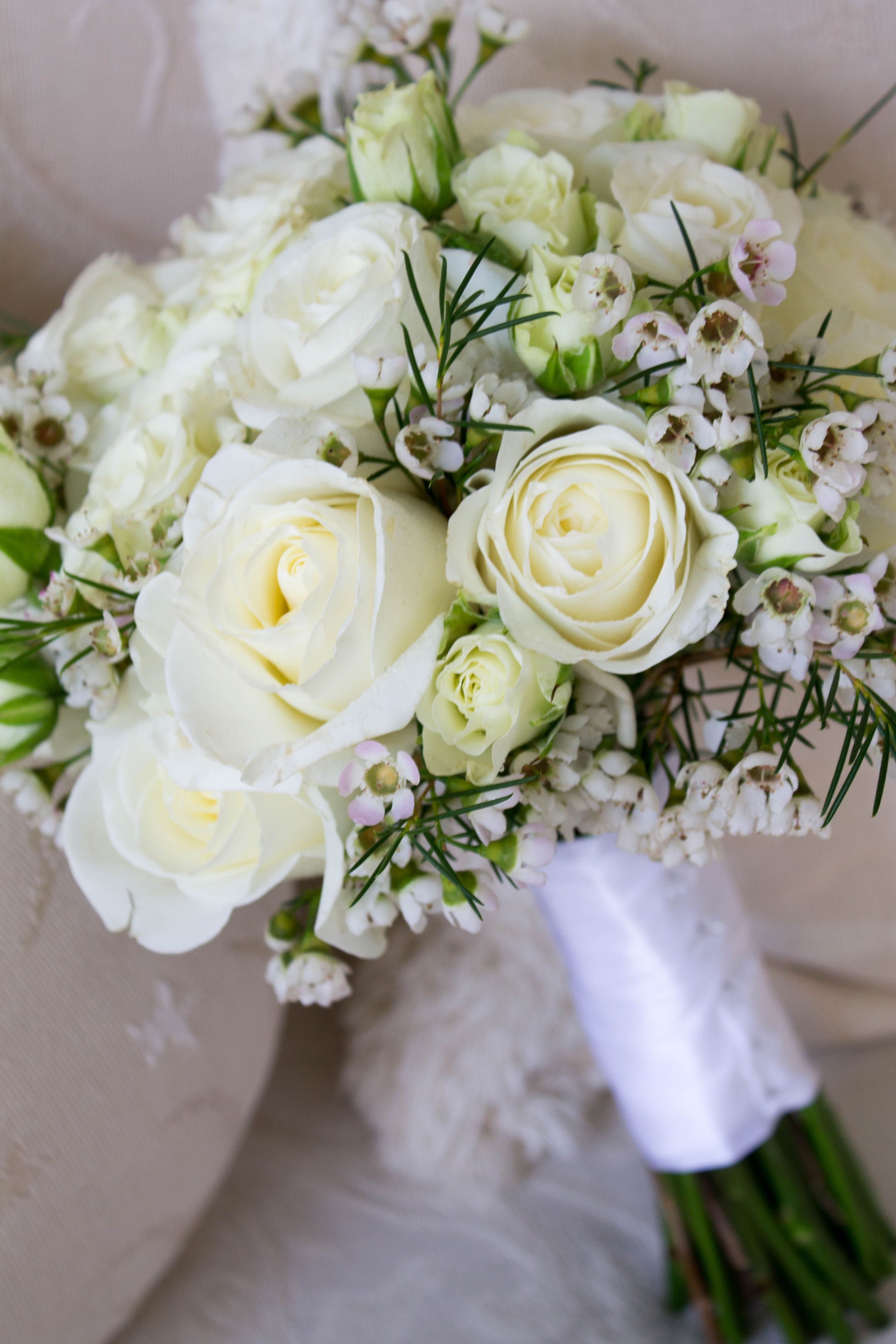 White Bridal Bouquet Created By Cs Events And Fl Las Vegas Nv