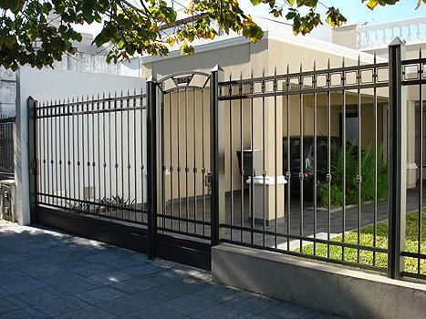 Fabricacion venta e instalacion de portones corredizos - Puertas de metal para casas ...