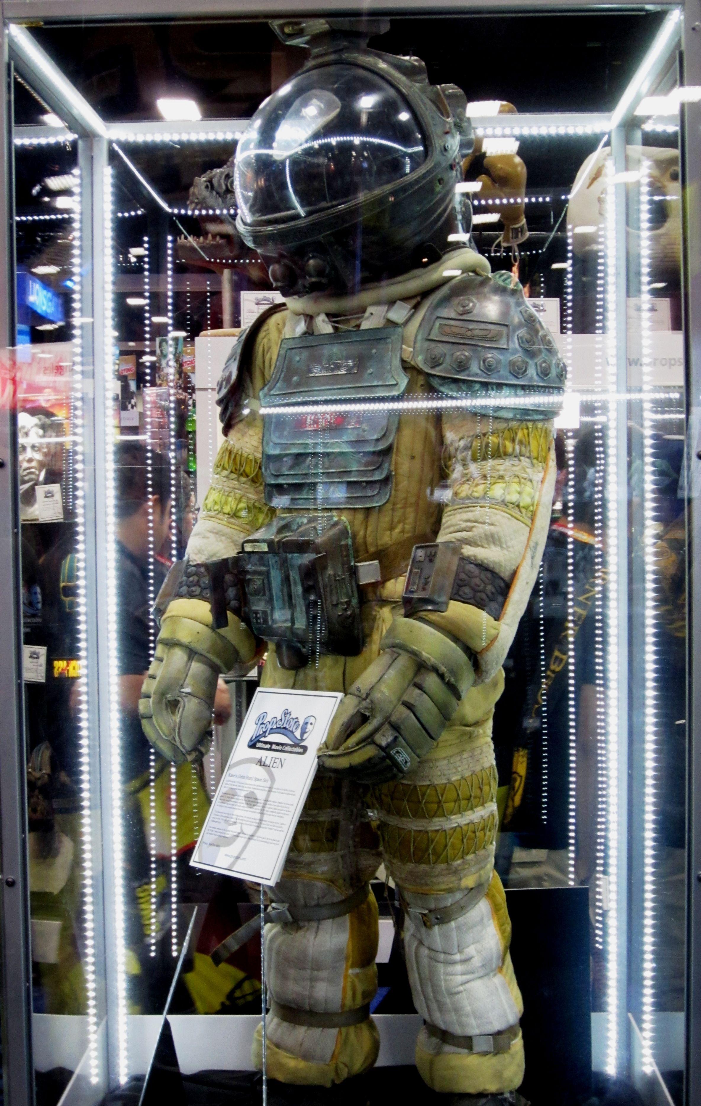 dallas alien 1979 space suit - photo #23