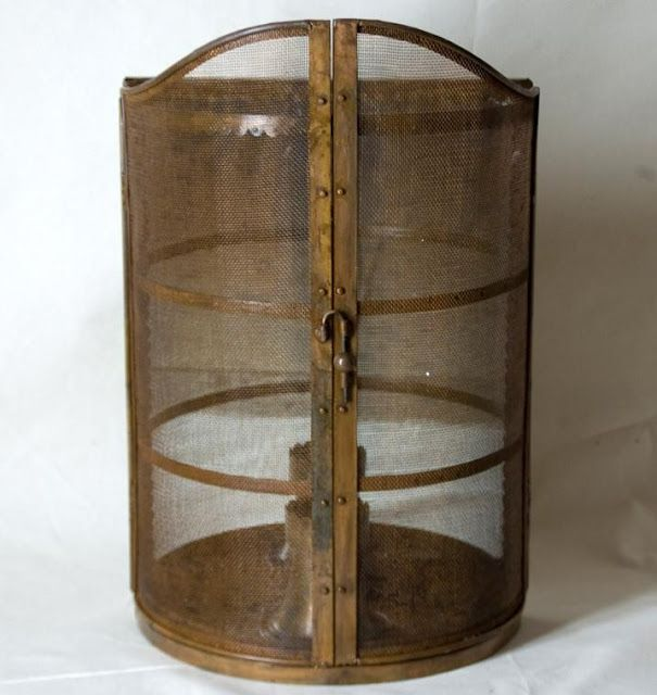 """French metal sconce with mirror inside back  22.5"""" h x 14""""w x 8""""d    http://www.linenandlavender.blogspot.com/2012/02/source-sharing-authentic-provence.html"""