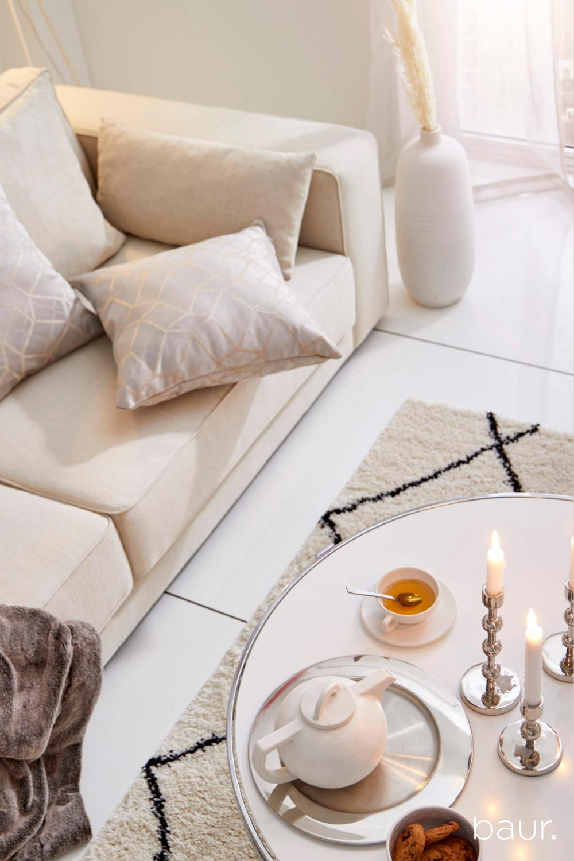 Wohnzimmer Ideen Von Baur De Einrichtungsidee Clean Silver In 2020 Online Mobel Kissenhullen Mobel Online Kaufen