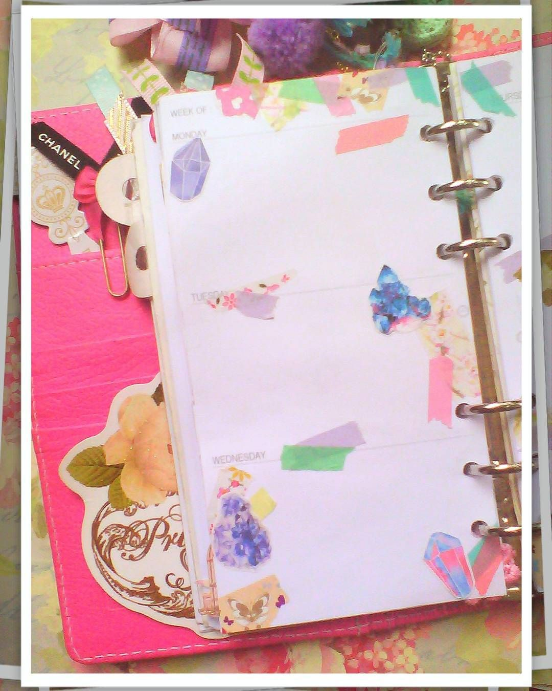 Half of gems weekly spread . . . . . . . . . #mwlgiveaway #madewithloveindonesia  #flowerstagram #plannerspread #plannerdecoration #plannerinspiration #plannerd #kikkik #kikkiklove #kikkikplannerlove #katespadewellesley #filofax #filofaxlove #eclp #erincondrenplanner #happyplanner #meandmybigideas #planneraddict #plannernerd #plannerjunkie #plannergeek #plannergirl #plannerindo #plannerindonesia #planningwithbelinda #midoritravelersnotebook #plannerlove #indonesianplannercommunity by…
