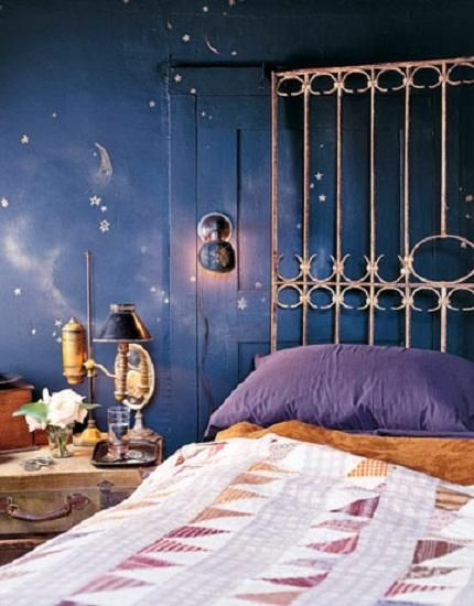 Cool bedroom paint designs blue night theme it would for Cool blue bedroom ideas
