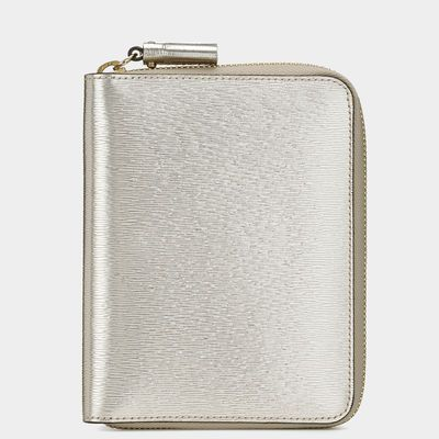 práctico! want it! Bespoke Zipped Passport Case