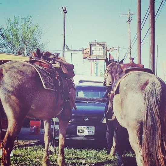 Quoi faire à #Austin pendant le @sxsw ! #mountbonnell #southcongress #southaustinpopularculturecenter #kungfusaloon #thewhitehorse #ffffest #HouseOfVans #themohawk #KOrapper - #sxsw #southbysouthwest #texas #usa #sxsw2016 - lien dans la bio by angiecpress