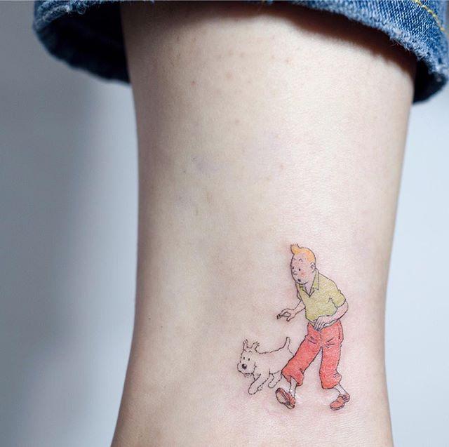 🏃🏻 . 밀린 카톡은 이번주내로 정리 하겠습니다!🙏🏻🙏🏻 . #tattoo#tattooist#tattooistsol#솔타투#lettering#soltattoo#color#colortattoo#꽃타투#flowertattoo#flower#꽃#equilattera