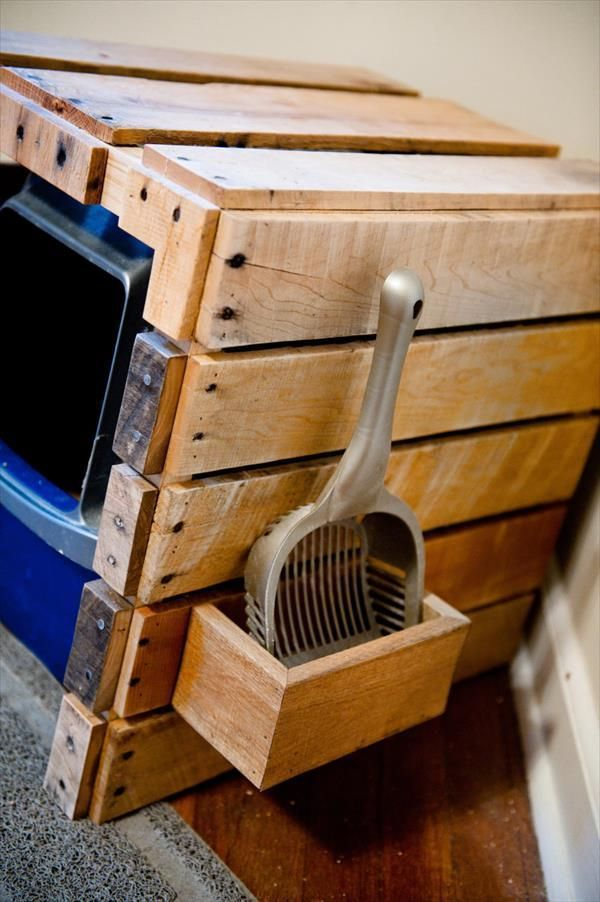 DIY Pallet Litter Box With Scoop Holster   Diy litter box ...
