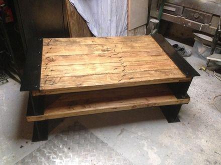 tr s jolie et unique table basse de salon style loft industrielle bois traiter ponc vernis 3. Black Bedroom Furniture Sets. Home Design Ideas