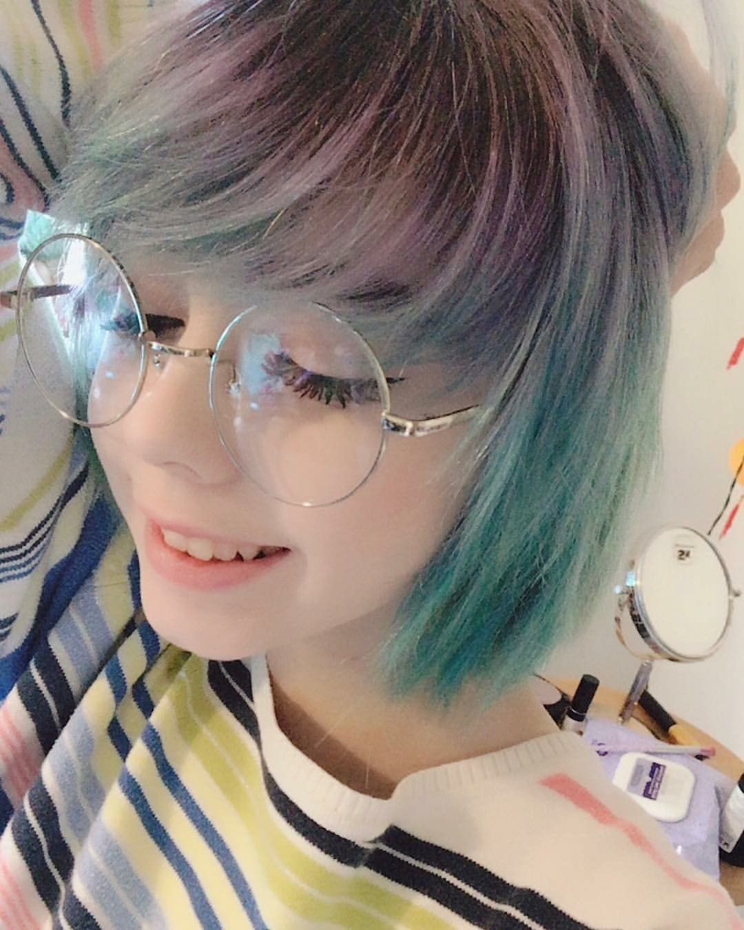 S e n s i t i v e 不同 beautiful girls pinterest ulzzang