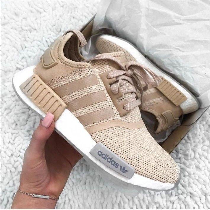 adidas orginals in beige / / foto -: jessnugent1 instagram adidas