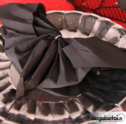 Pliage serviette chauve souris id es halloween pinterest pliage serviette - Pliage serviette halloween ...