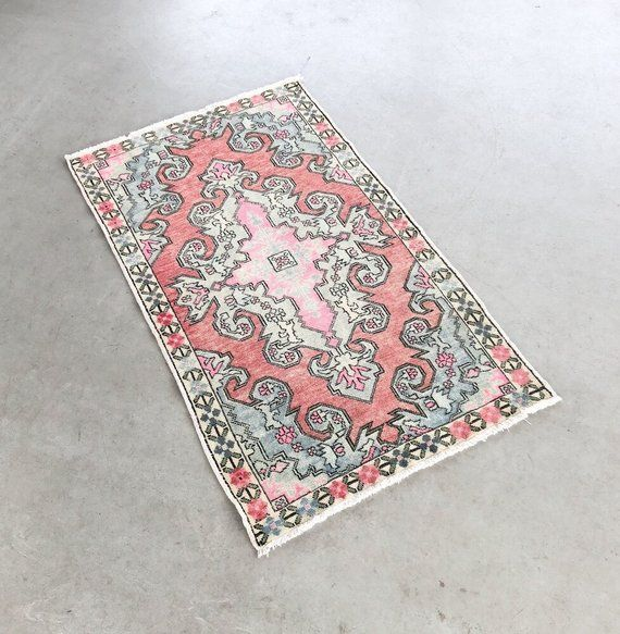 Bohemian Vintage Wool Rug Oriental Pink Rug Persian Rug