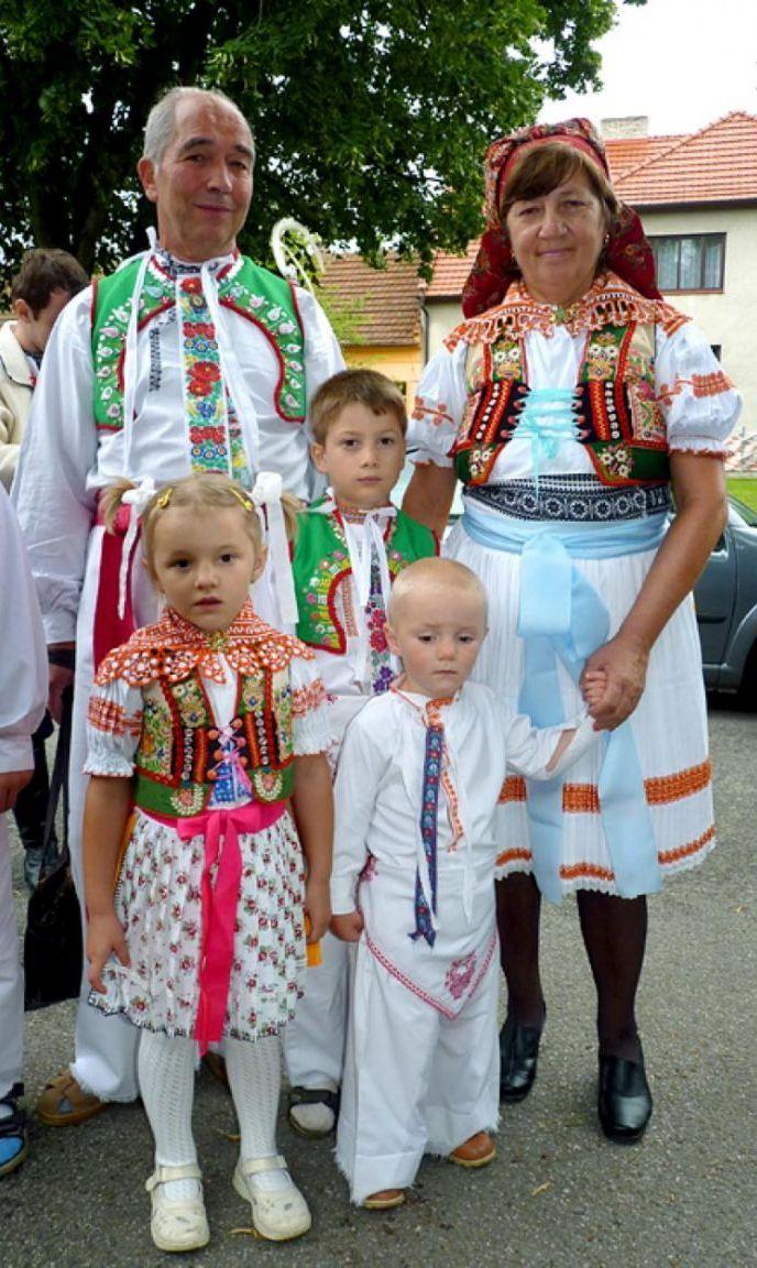 Italian traditional clothing style photo fotos