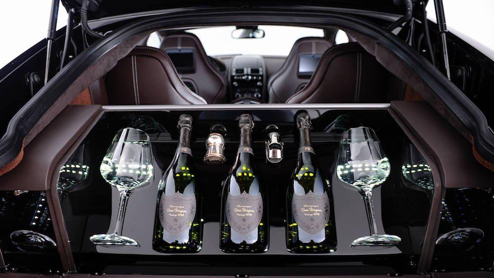 Aston Martin : une cave à champagne Dom Pérignon en option pour sa Rapide S - http://www.leshommesmodernes.com/aston-martin-cave-champagne-dom-perignon-rapide-s/