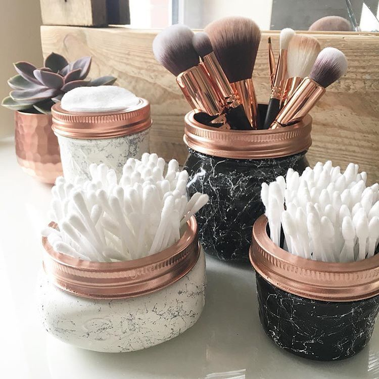 """Photo of Organised Me🙋🏻♀️ Kate Coslett on Instagram: """"Beautiful storage ideas from @fluffboxx 🖤🖤🖤 love these gorgeous marble effect containers ✨ swipe 👈🏻 for the ultimate make up brush guide 😍…"""""""
