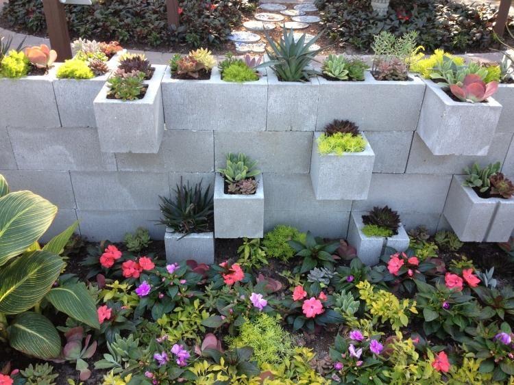Bloc b ton pour la d co de jardin en 30 id es cr atives for Maison bloc beton