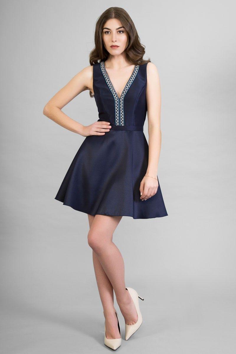 Vestido de color azul y blanco
