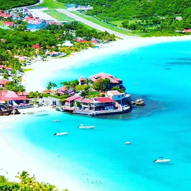 St Barts Island!...the photo speaks for itself! :) #stbarth#stbarthelemy##caribbeansea#caribbean#beachlife#beachday#sun#sunnyday#nature#naturelovers#paradise#green#sunshine#trip#vacations#igersoftheday#gustavia#antilles#tourism#travelgram#travelling#Travel#traveling#tourisme#traveller#travellers#islandlover#ilovetravelling#sealovers#sealovers #island by go4beaches