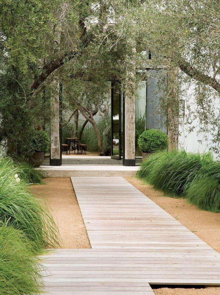 33+ Beauty and Affordable Wooden Garden Path Ideas #contemporarygardendesign