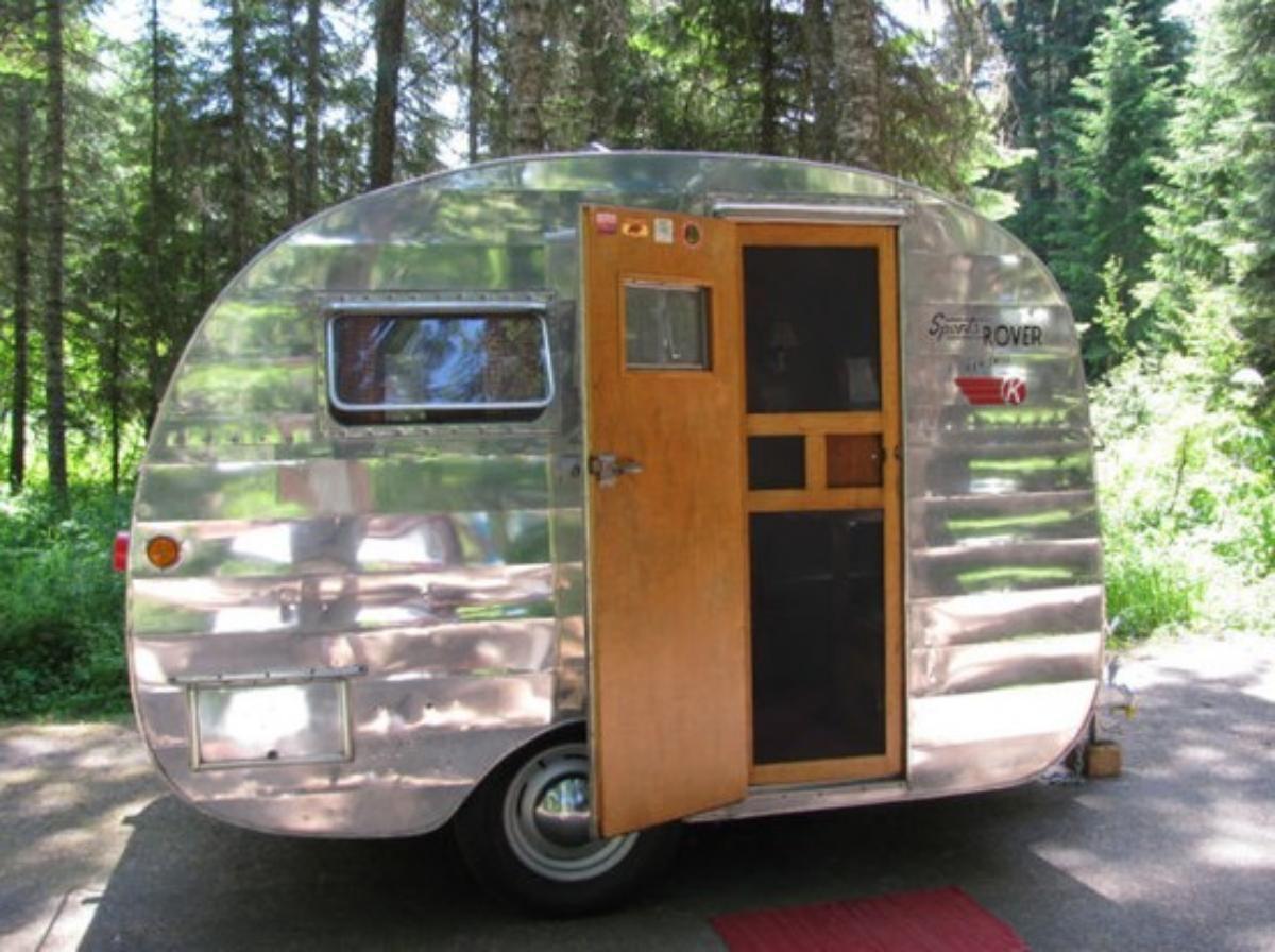 96+ Small Vintage Travel Trailers - Pretty Ideas Small Camper ...