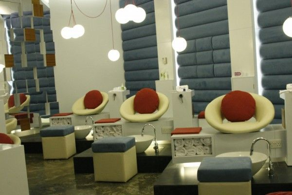 Idb Perfect Ten Nail Bar Interior Art Kuwait Nails Salon