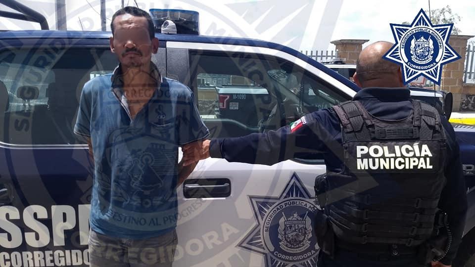 Detienen A Dos Sujetos Que Robaban En Un Domicilio De La Negreta Domicilios Dos Personas Policía