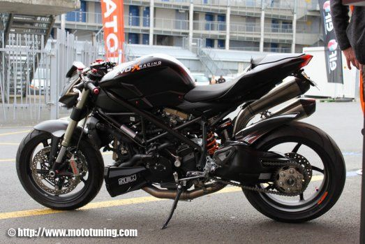 tuning ducati streetfighter double face street fighter. Black Bedroom Furniture Sets. Home Design Ideas