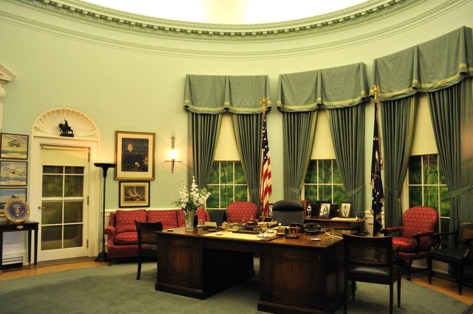 President Trumans Oval Office Pinteres