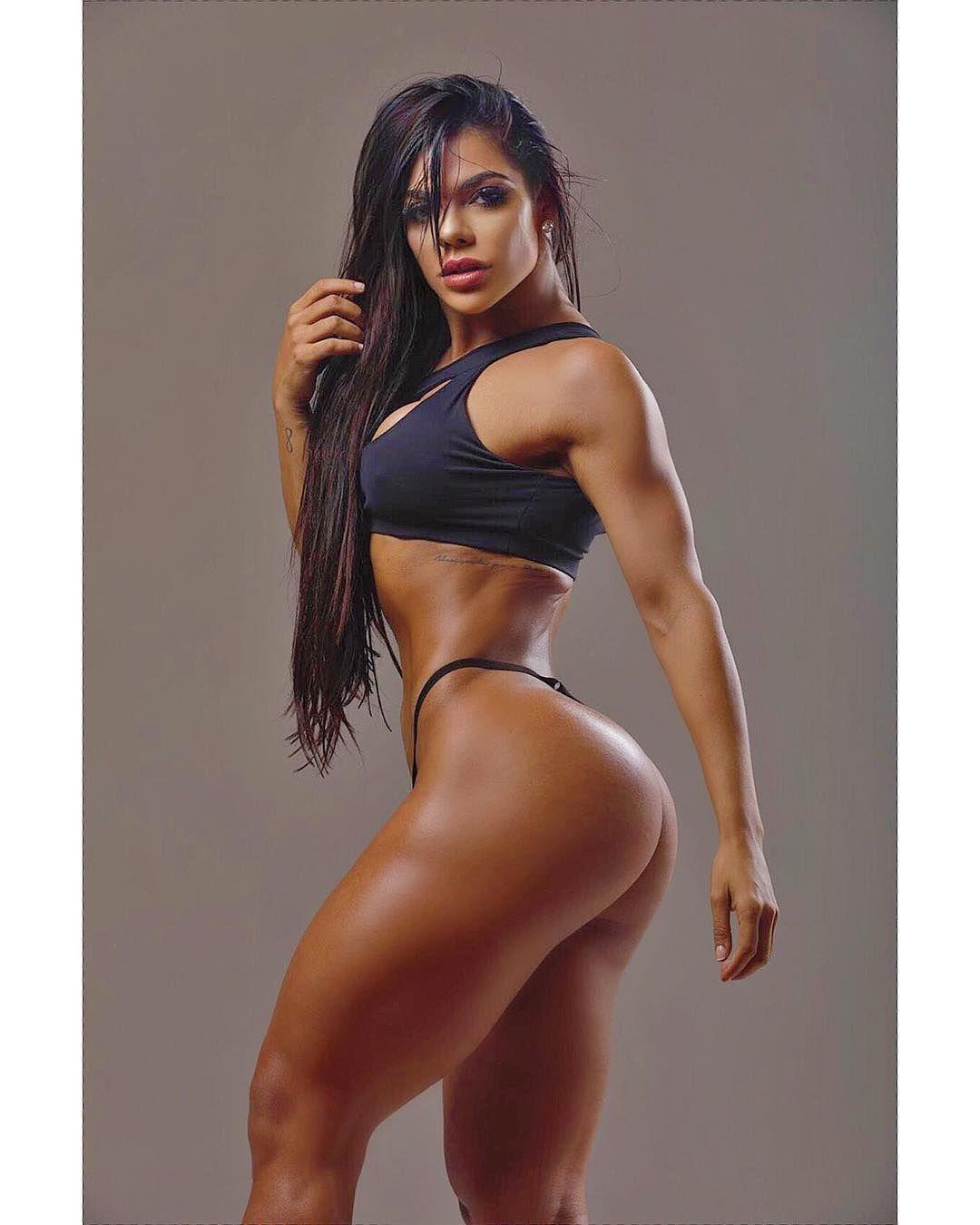 Susi Hotride - Model page
