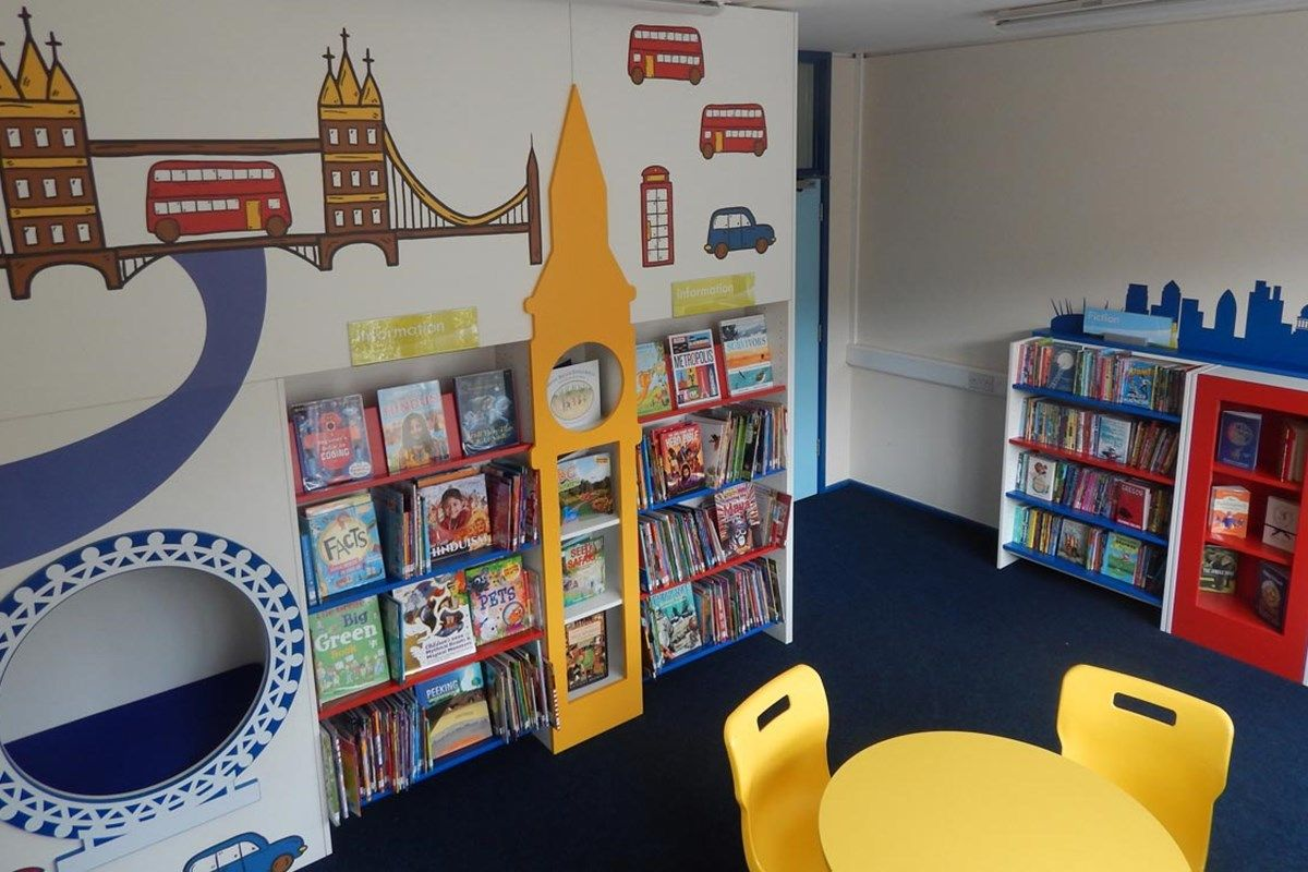 london themed primary school library design the library wow factor